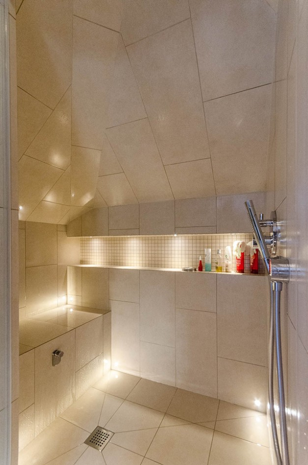 En-suite steamroom by CP Hart