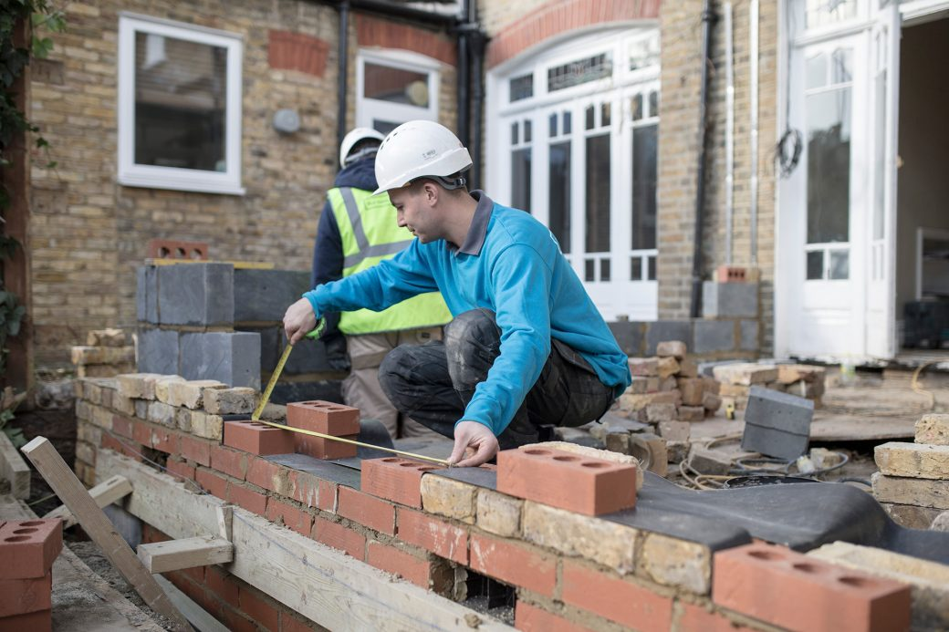 Kantec builder measuring wall