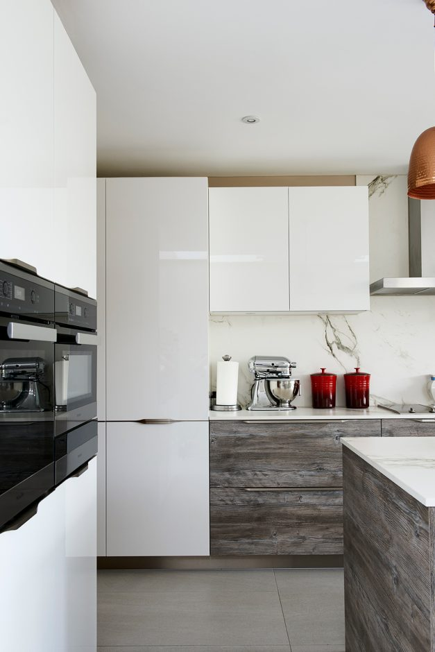 Wood effect & white gloss laminate kitchen cabinet doors